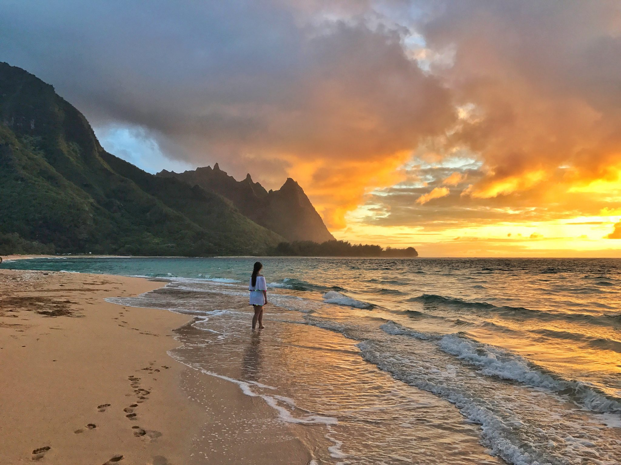 6 Best Spots for Sunset Kauai - Tunnels Beach