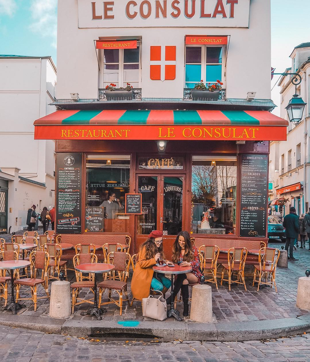 12 Best Photo Spots in Paris For Epic Instagram Shots - Le Consulat