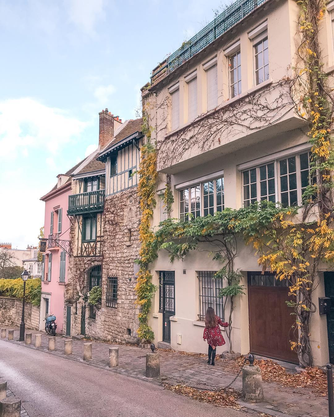 12 Best Photo Spots in Paris For Epic Instagram Shots- La Maison Rose