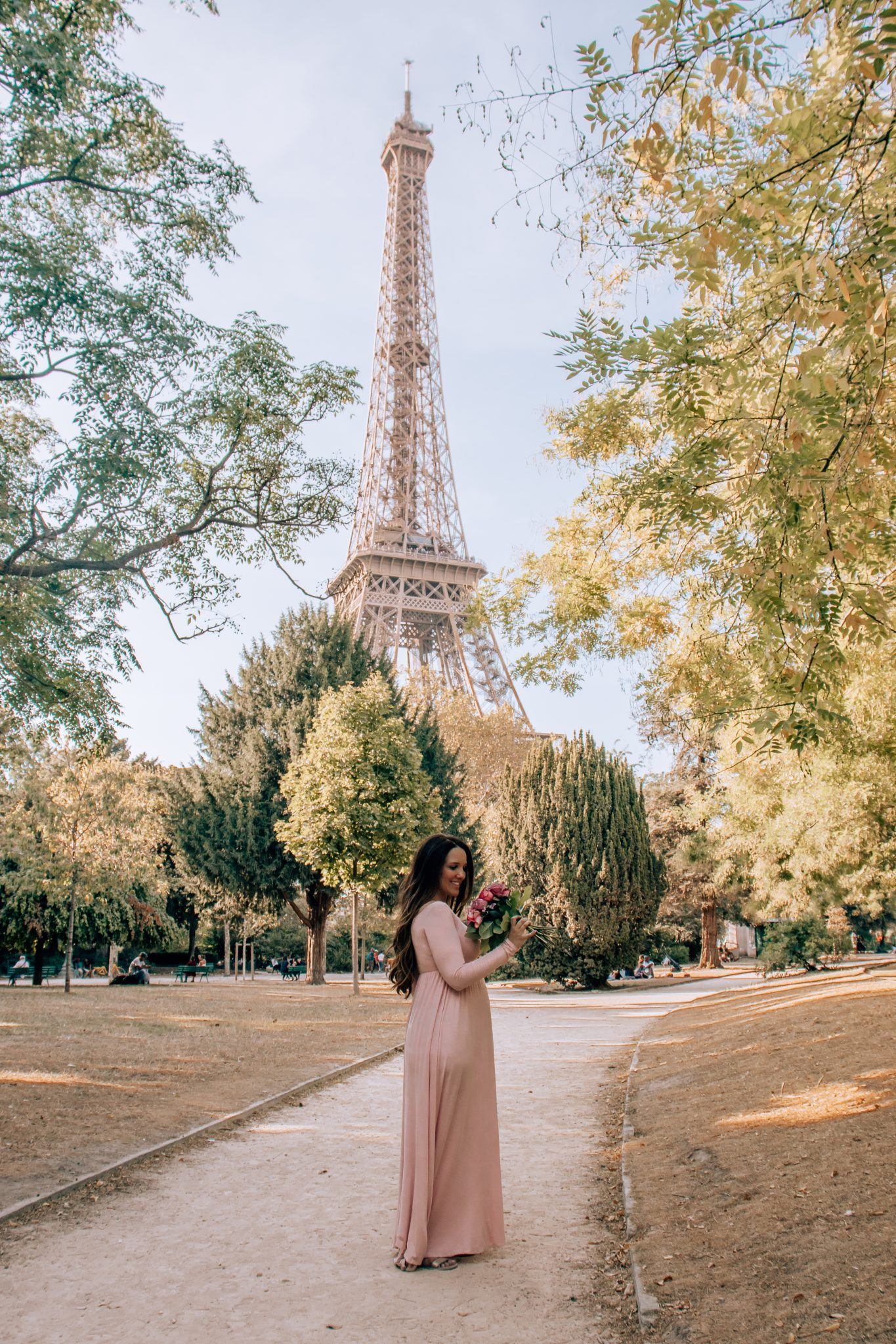 12 Best Photo Spots in Paris For Epic Instagram Shots - Champs de Mars