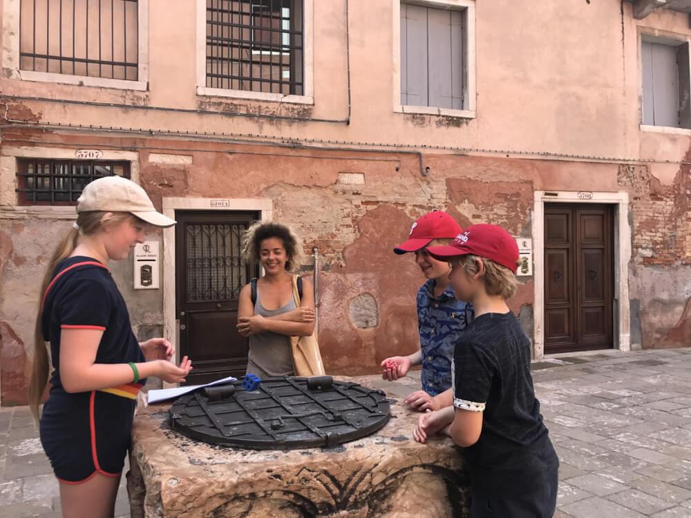 A Family Treasure Hunt Tour in Venice