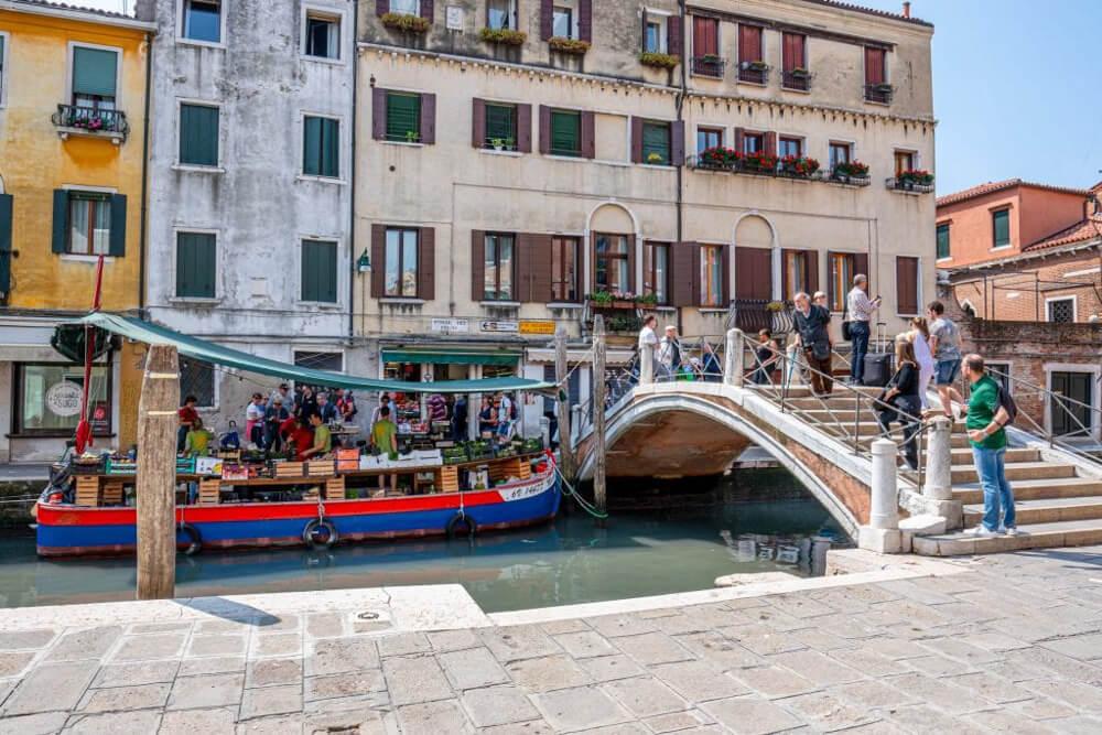 Ponte dei Pugni, a Venice hidden gem