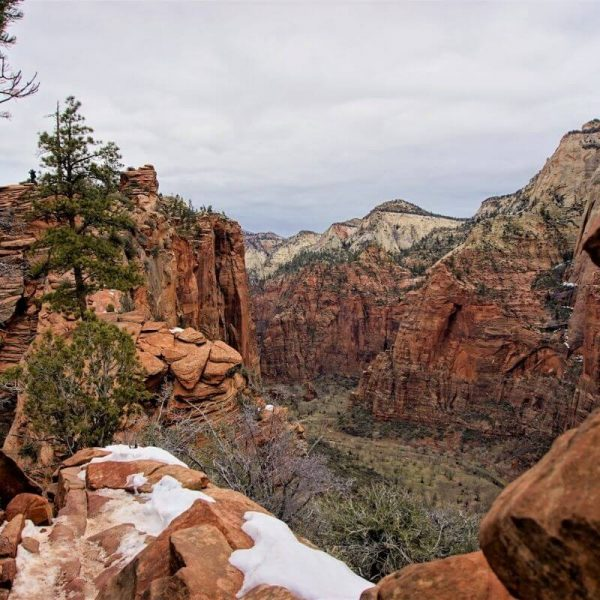 Stunning mountain views from Angel's Landing Trail