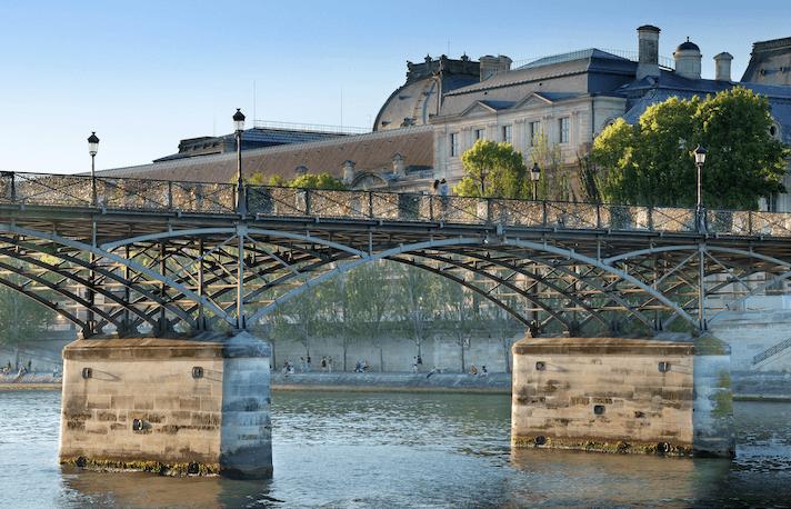 Paris Bridge: Pont des Arts